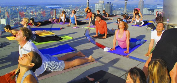 rooftop Yoga Workshop Maintower Frankfurt