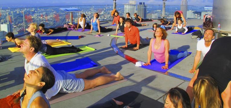 rooftop Yoga Workshop Maintower Frankfurt