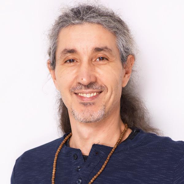 George Kallisthenis Yogalehrer